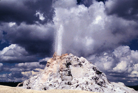 White Dome Geyser, Firehole Lake Drive, Yellowstone National Park